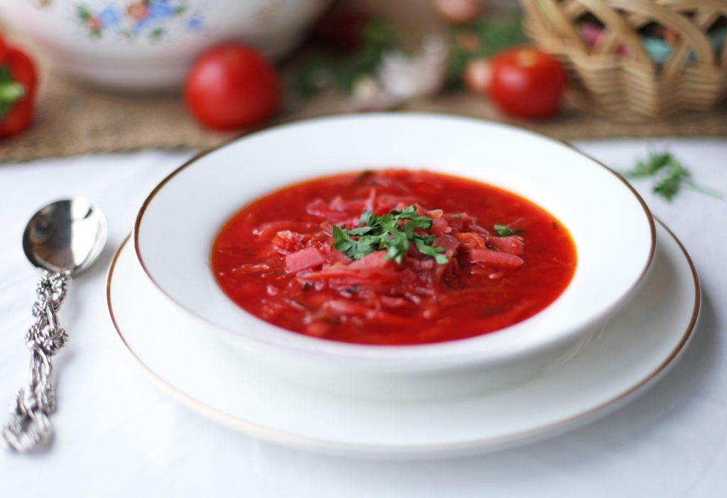 Рецепты вегетарианского борща с фасолью, свеклой, черносливом