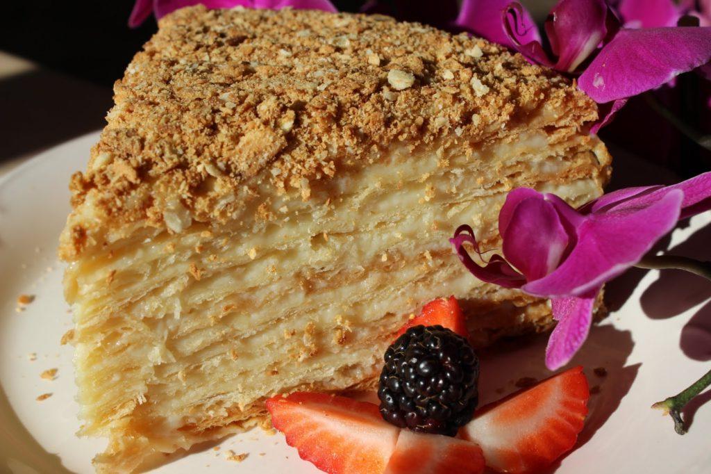 Рецепты вегетарианских тортов: банановый, шоколадный, морковный, Наполеон, Птичье молоко